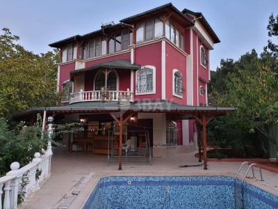 Orman Kenarında Satılık Triplex Villa