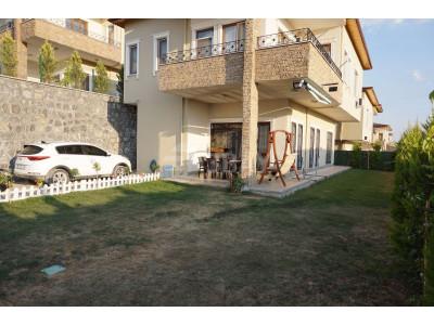 Körkün bölgesinde Satılık 4+1 Muhteşem Manzaralı Villa
