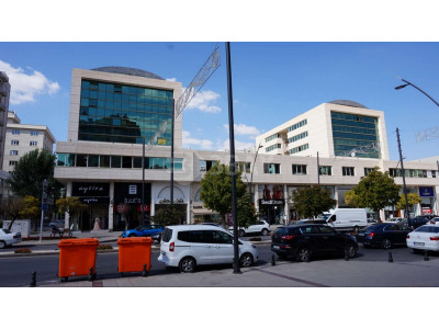 Merkez'de Çok Geniş KİRALIK Ofis