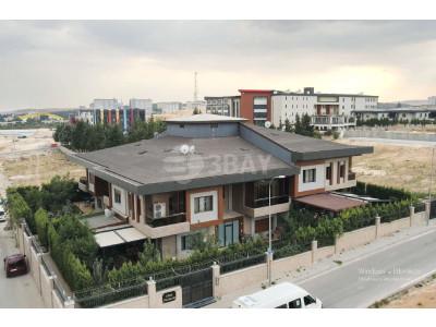 15 Temmuz da Site içerisinde 7+1 Satılık Villa